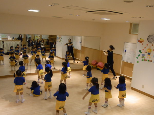 博多阪急チア★JR博多シティつばめの杜キッズダンスフェスへ出演しました!